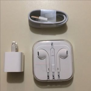 BRAND NEW APPLE EARPHONES AND CHARGER